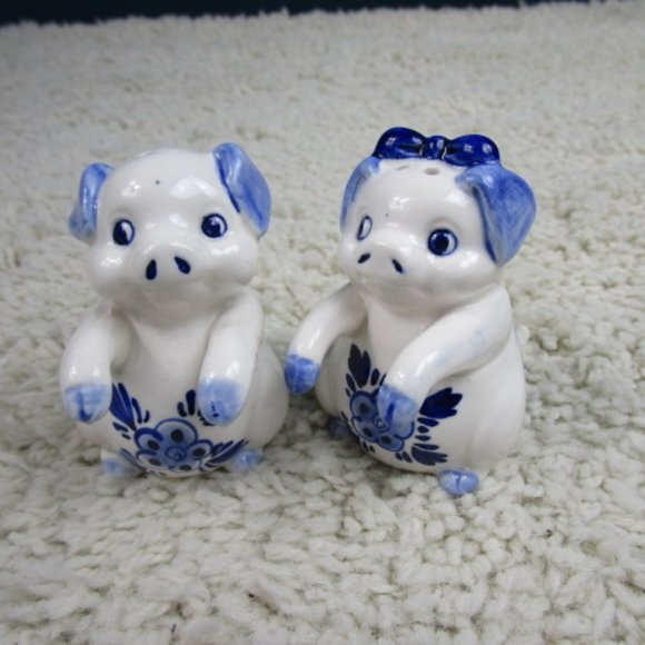 Vintage Other - 'FINAL''Pair Blue/White Pig S/P Shakers